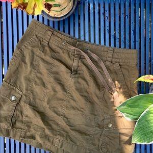 Old Navy army green tie-waist skirt